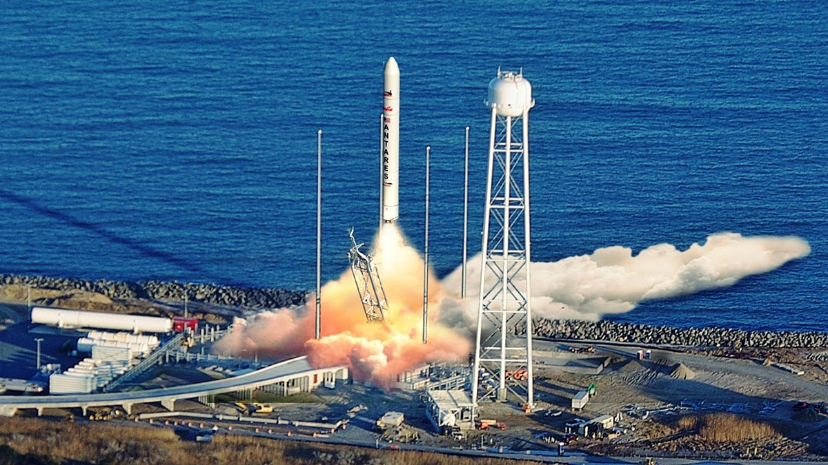 Antares Rocket Lauch-1